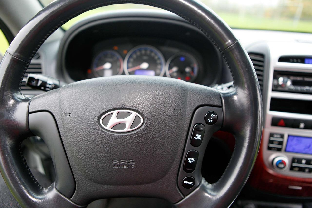 Hyundai steering wheel