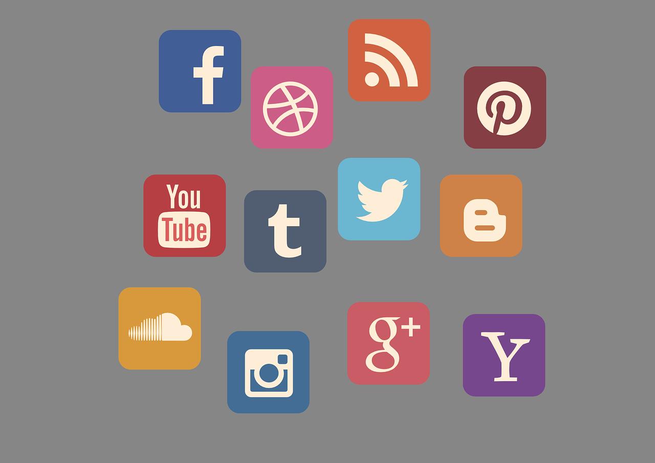 Stratégie Twitter + Facebook + Youtube + blog : pas une stratégie mais un échec assuré