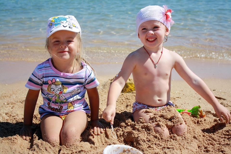 Дети, Пляж, Лето, Девочки, Друзья, Море, Весело, Играя
