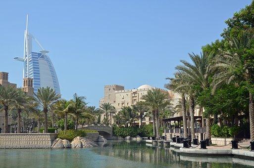 U A E Dubai Hotel Burj Al Arab Architectur