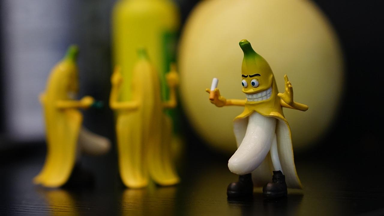 Картинки банан смешной, сделать открытку