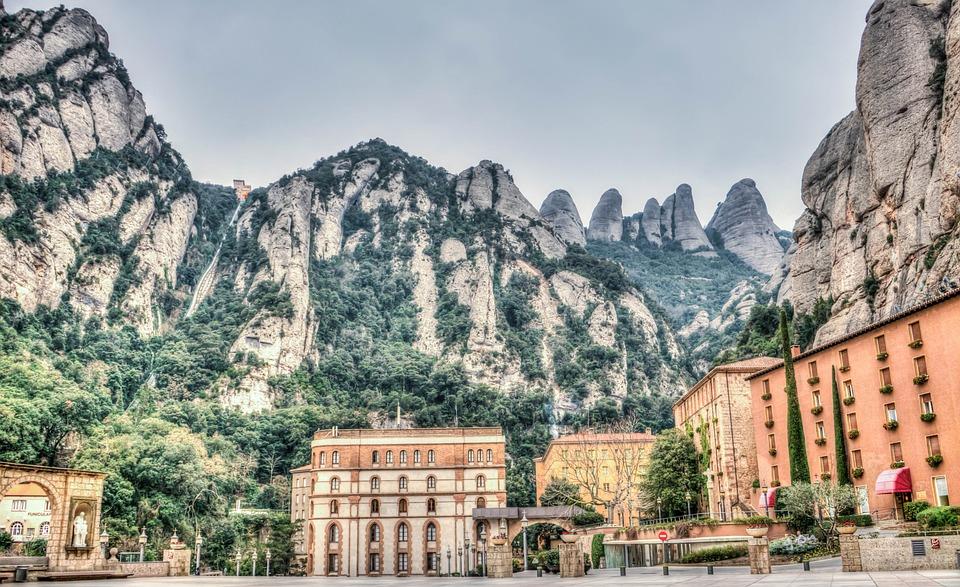 Pueblos más bonitos cerca de Barcelona, Montserrat