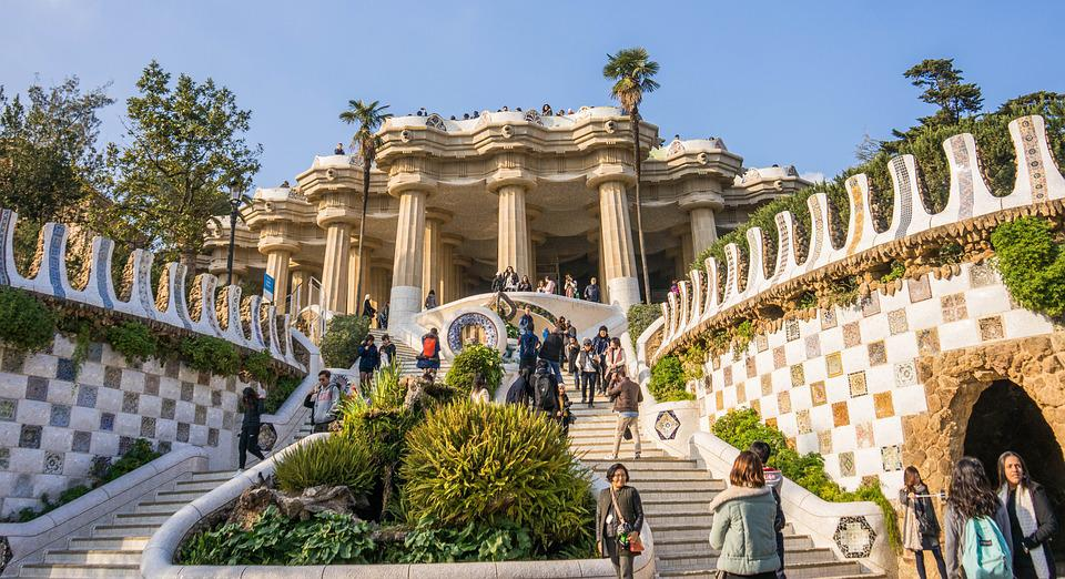 Photo gratuite gaudi parc guell l 39 architecture image for Escaleras kotas