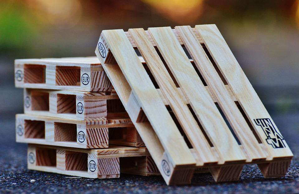 euro palets madera pila industria paletas apilados - Europalets