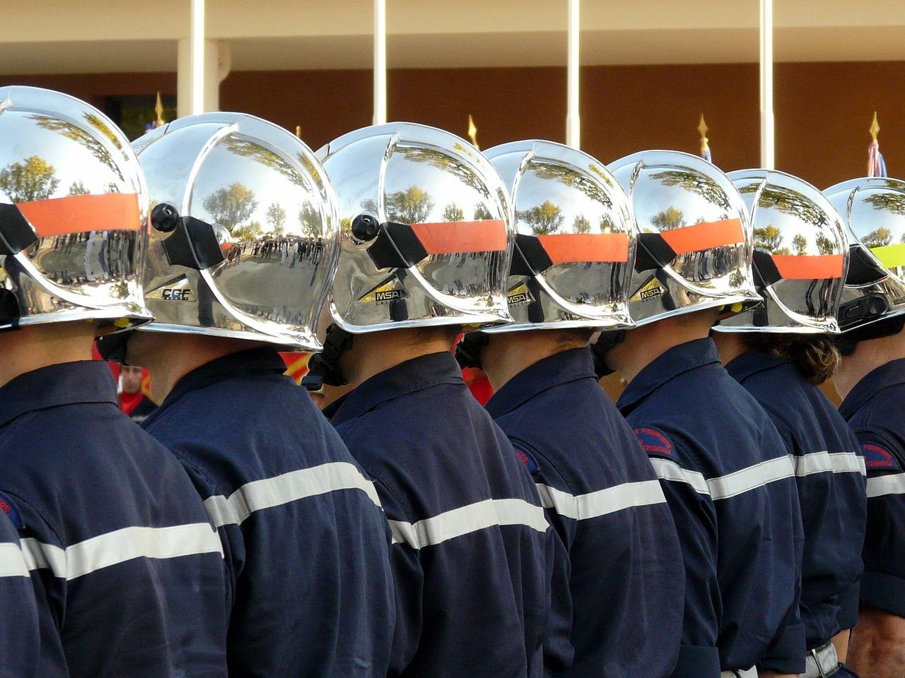 обозначения на касках пожарных фото покажем