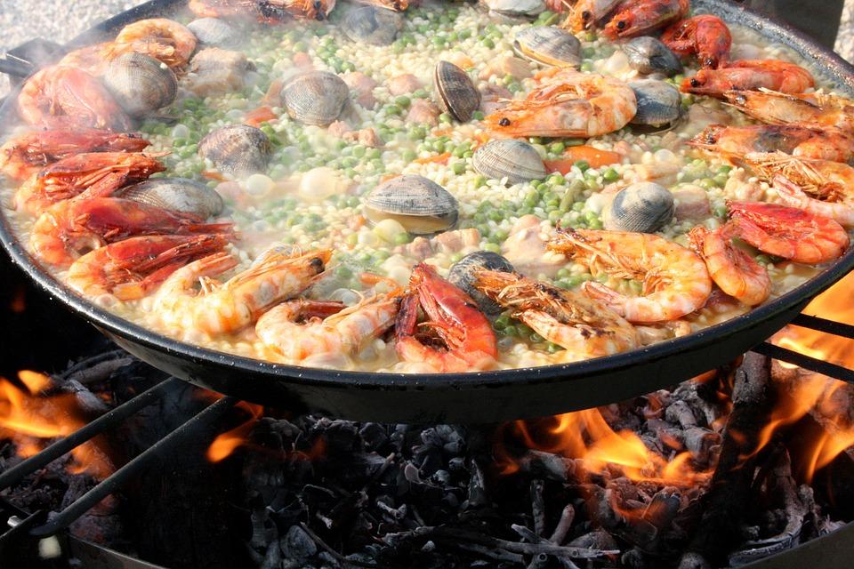 La Paella Dish