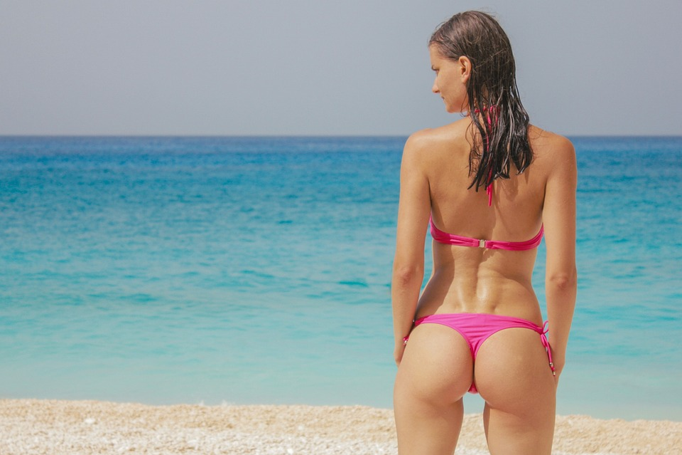 Bikini bottom exposure