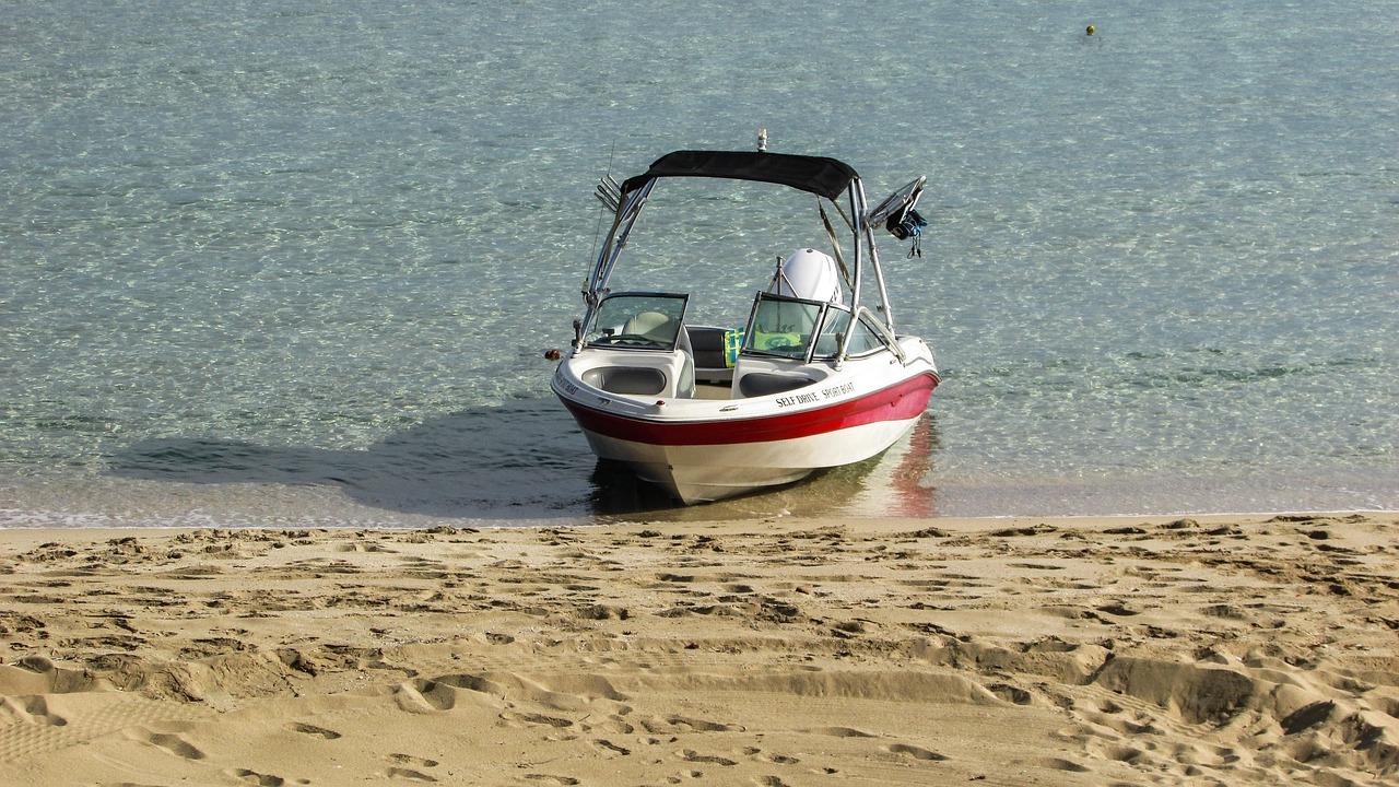 аренда лодки протарас