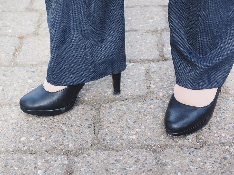 オフィスカジュアルに適した靴の選び方!おすすめなおしゃれ靴5選