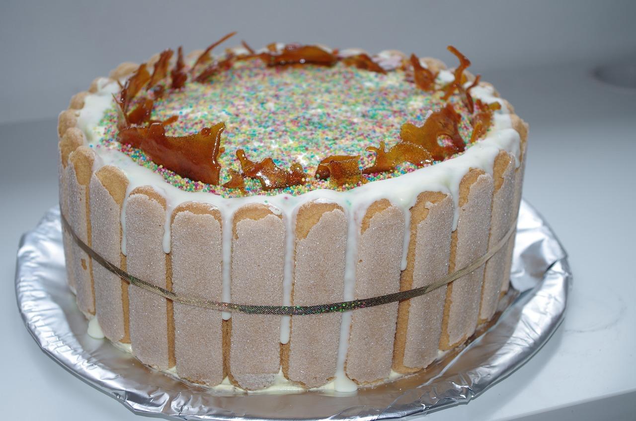 a-cake-1174969_1280.jpg
