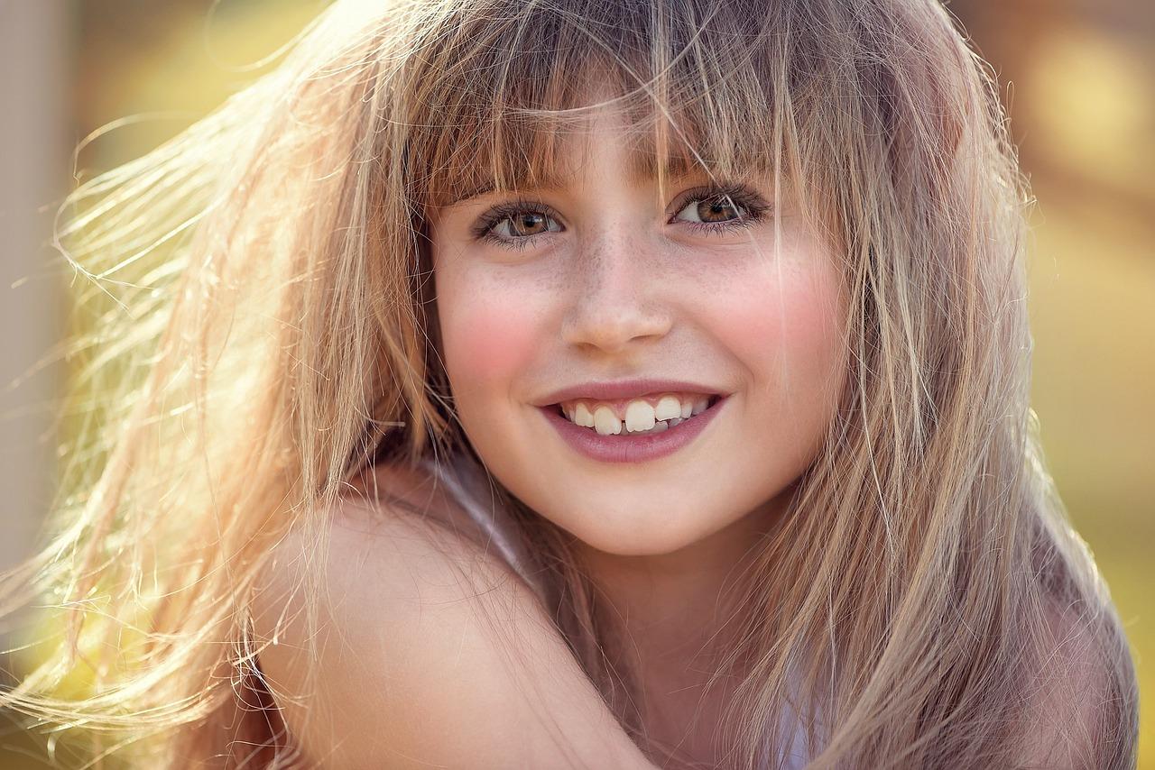 Довольное лицо девушек фото