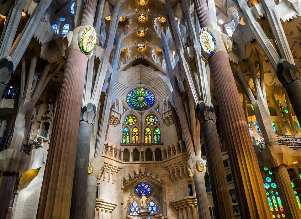 Free photo sagrada familia cathedral free image on for Melchior interieur