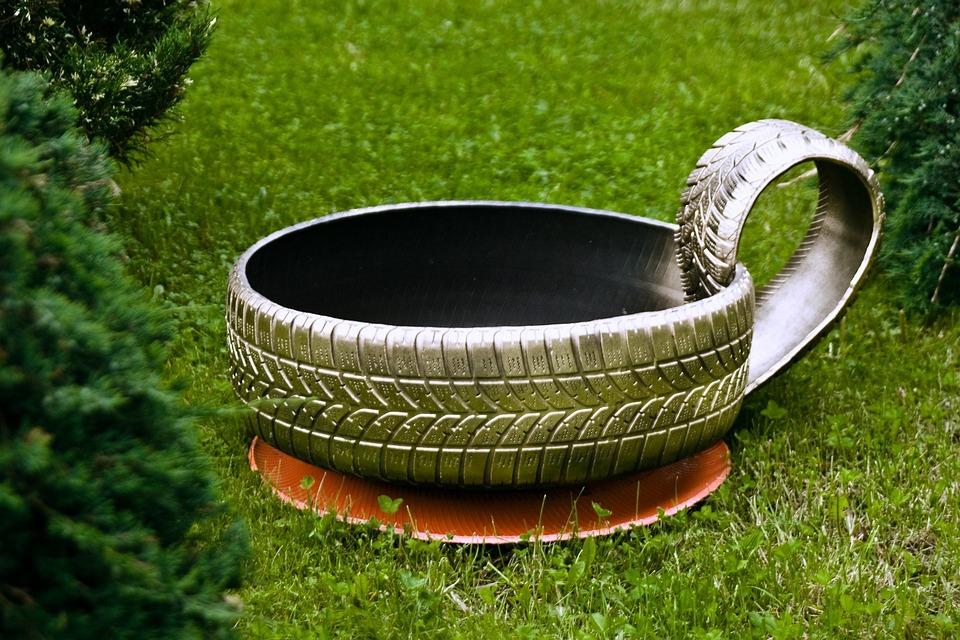 foto gratis reciclagem de pneus grama verde imagem. Black Bedroom Furniture Sets. Home Design Ideas
