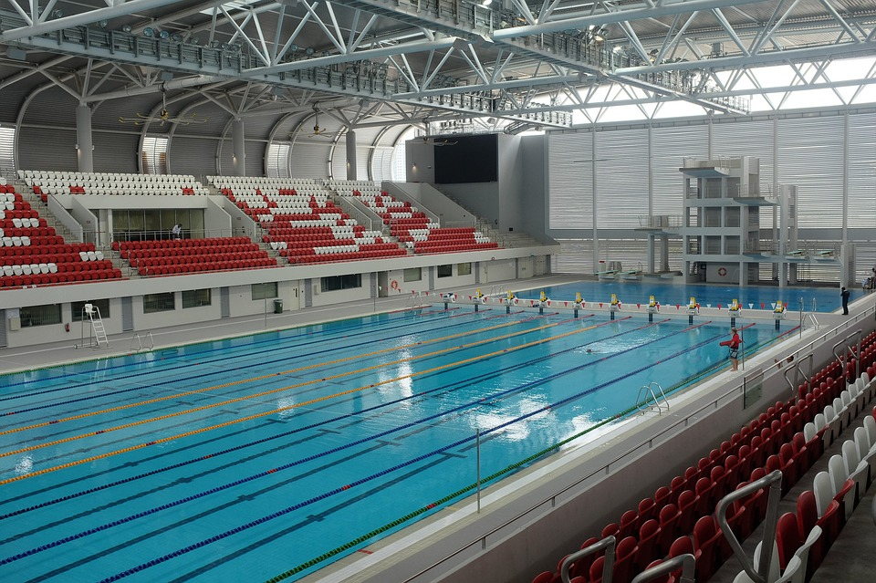 Photo gratuite piscine olympique sport aquatique image for Constructor piscinas