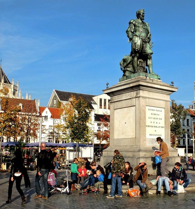 Estatua de Rubens en Groenplaats
