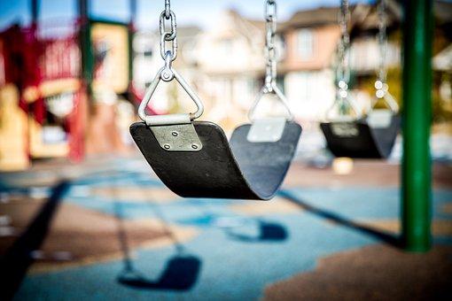 Swing, Terrain De Jeux, Enfants Jouant