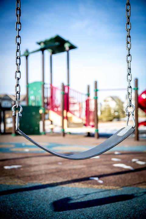 Swing, Speeltuin, Spelende Kinderen, Park, Kind, Spelen
