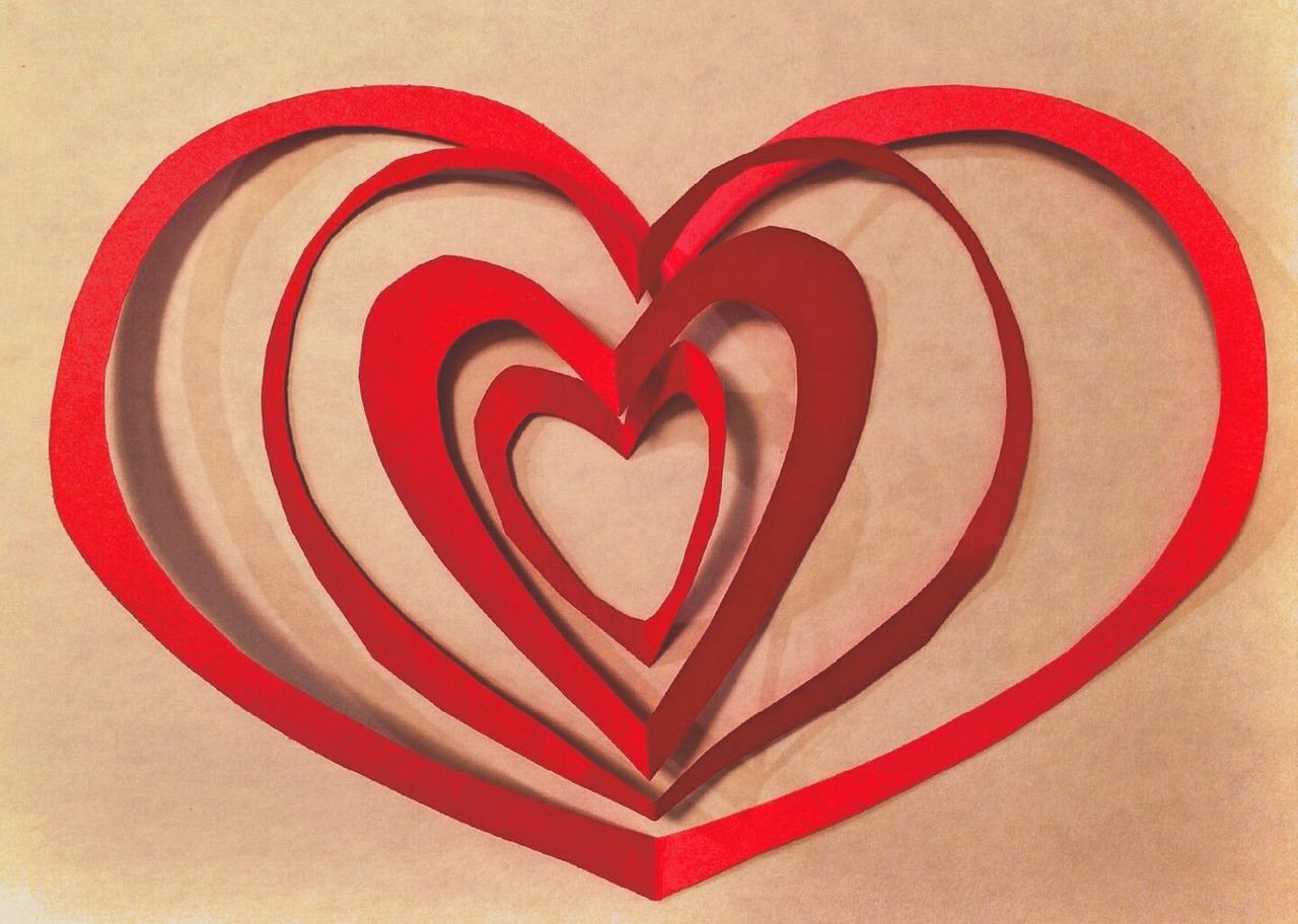 Белая рамка, картинки сердце из бумаги