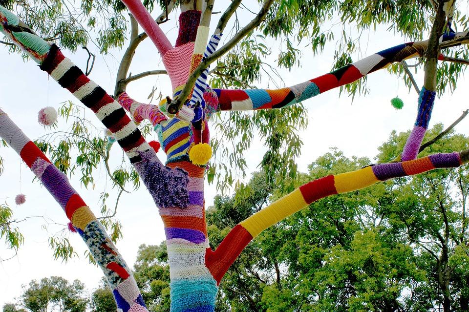 Knitting Trees Art : Kostenloses foto garn bombe guerilla stricken baum