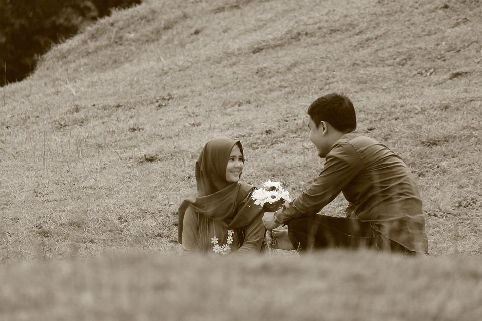 Foto gratis rom ntico pareja blanco y negro imagen - Fotos de parejas en blanco y negro ...