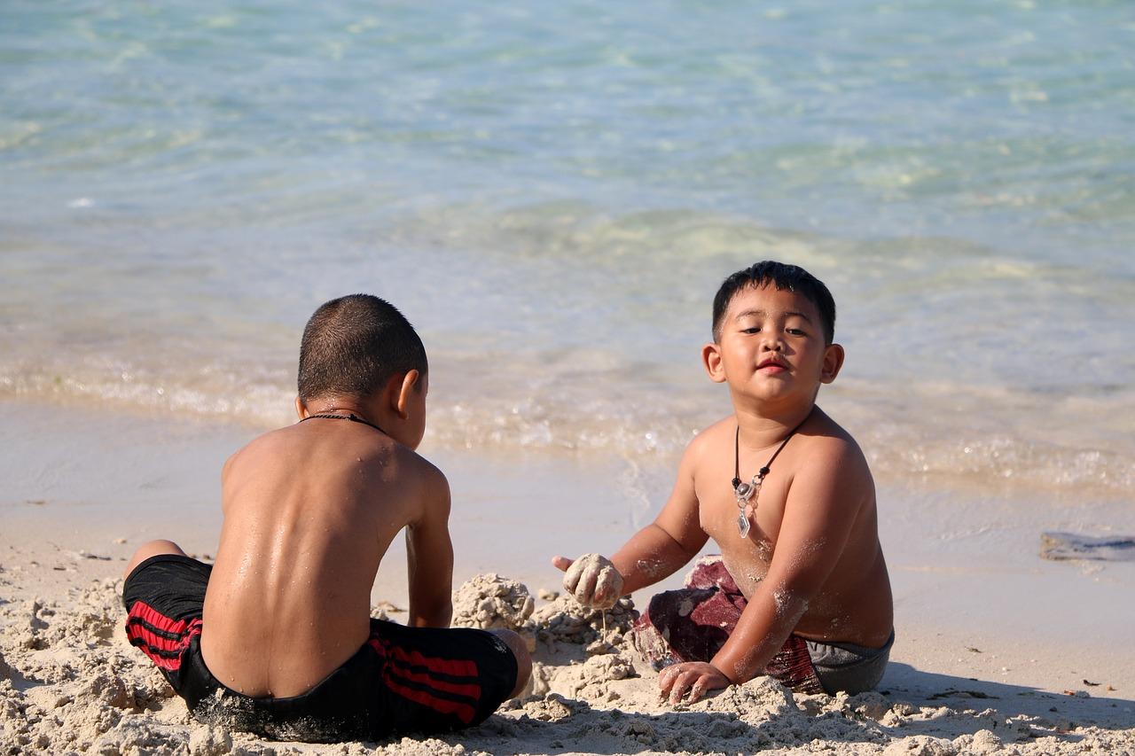 Фото детей на море в египте