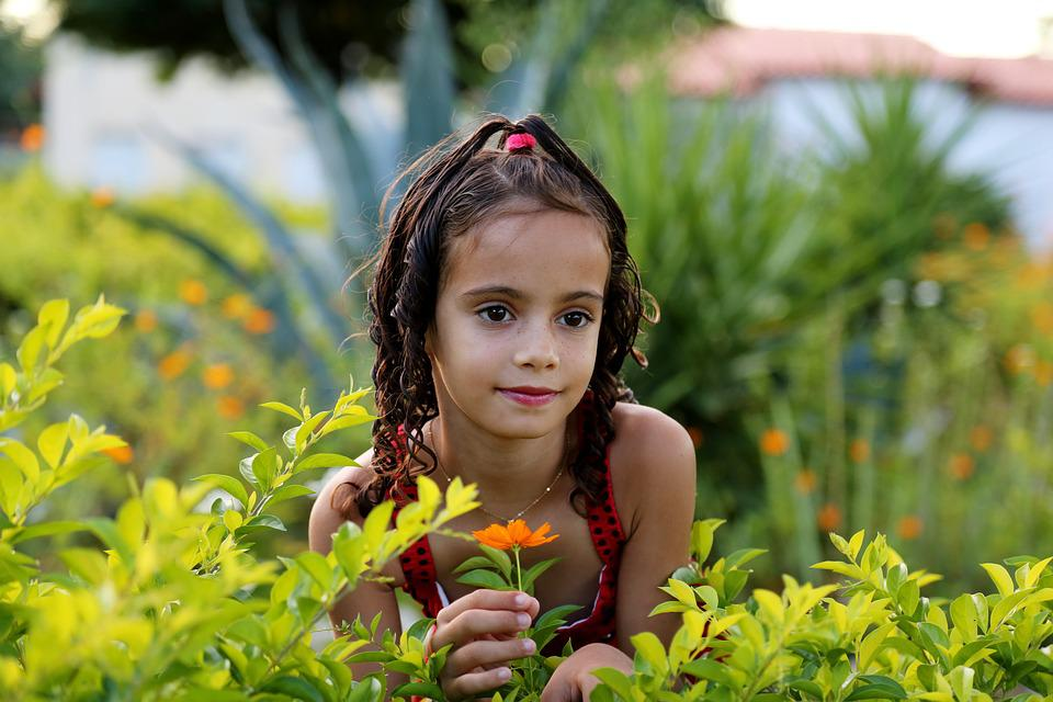 free photo girl in the garden model child free image on pixabay 1204288