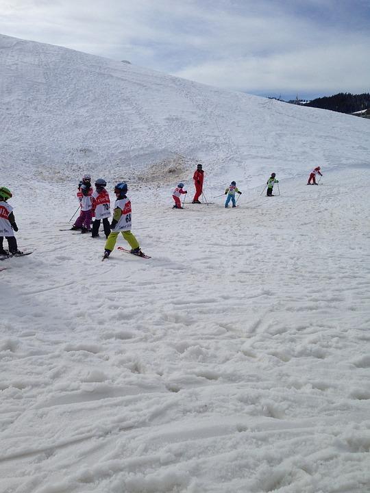 Ski, Les Enfants, Piste, Neigeux, Cours D'Initiation