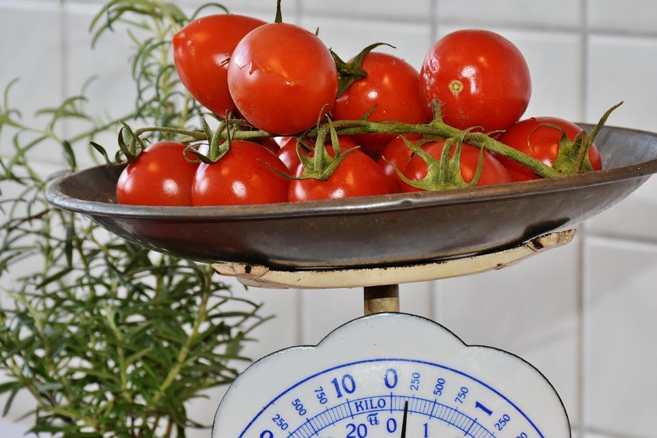 水平, コントロール, 重量, トマト, 赤, 健康, 新鮮, サラダ, 食品, 野菜, 栄養, キッチン