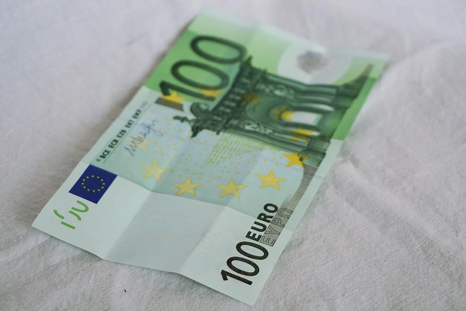 photo gratuite euro 100 100 euro papier monnaie image gratuite sur pixabay 1212217. Black Bedroom Furniture Sets. Home Design Ideas