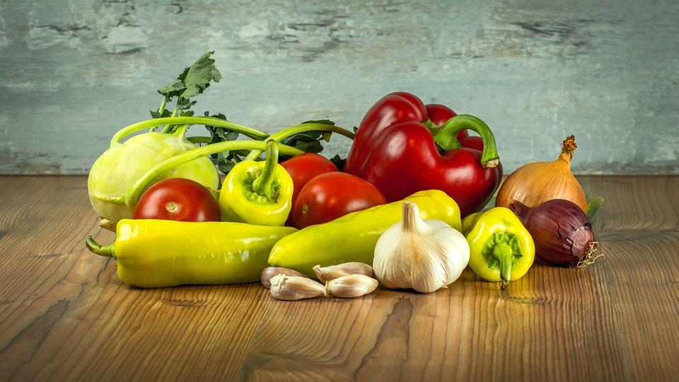 Verdure, Pomodori, Paprica, Aglio, Cipolle, Cavolo Rapa
