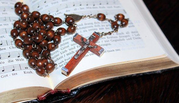 Kreuz, Rosenkranz, Gebetsbuch, Goldrand