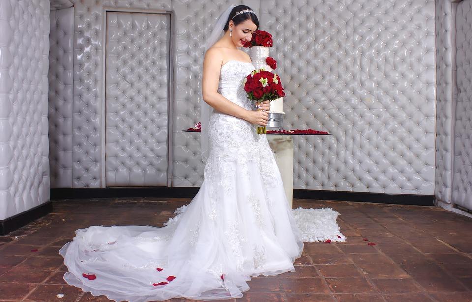 Witte Jurk Op Een Bruiloft.Bruiloft Bruid Witte Jurk Gratis Foto Op Pixabay