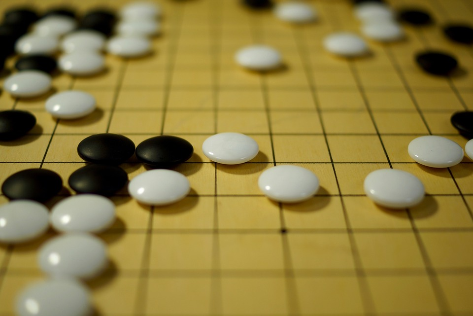 戦術と戦略の違いと具体例|目的/目標・営業/ラグビー