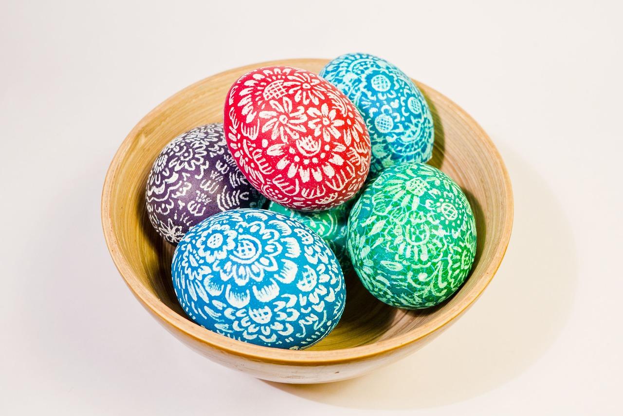 Пасхальные яйца красивые узоры, открытки поздравлением рождения