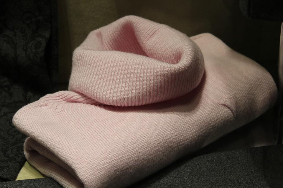 Customized Sweater | Easy Sewing Projects You Can Give As Gifts For Your Teens
