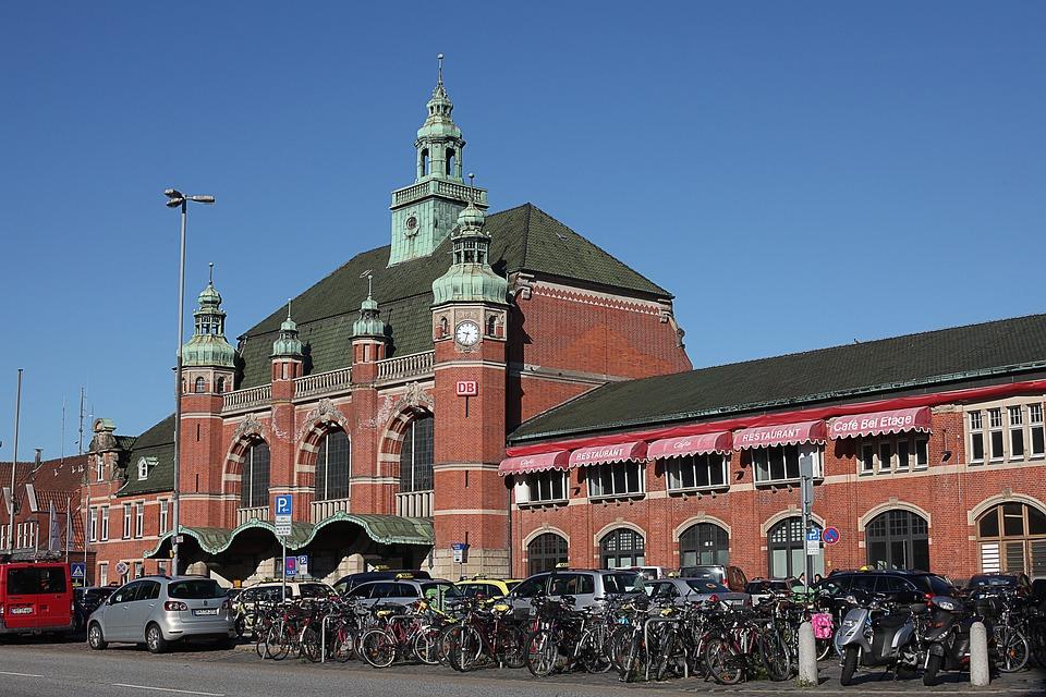 Architektur Lübeck lübeck bahnhof architektur kostenloses foto auf pixabay