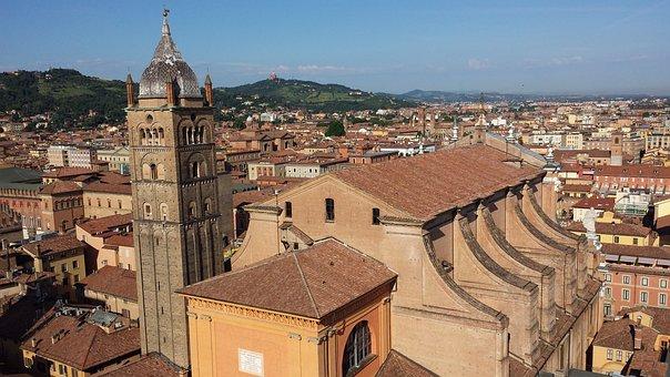 Italia, Bolonia, Históricamente