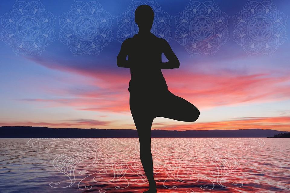 一般社団法人アインの評判は?|セラピストの集客|瞑想している人のイラスト|一般社団法人アインの集客マーケティングブログ
