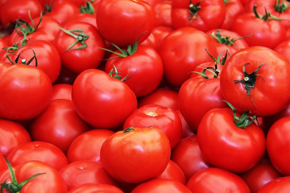 Tomat Buah Buahan Segar - Foto gratis di Pixabay