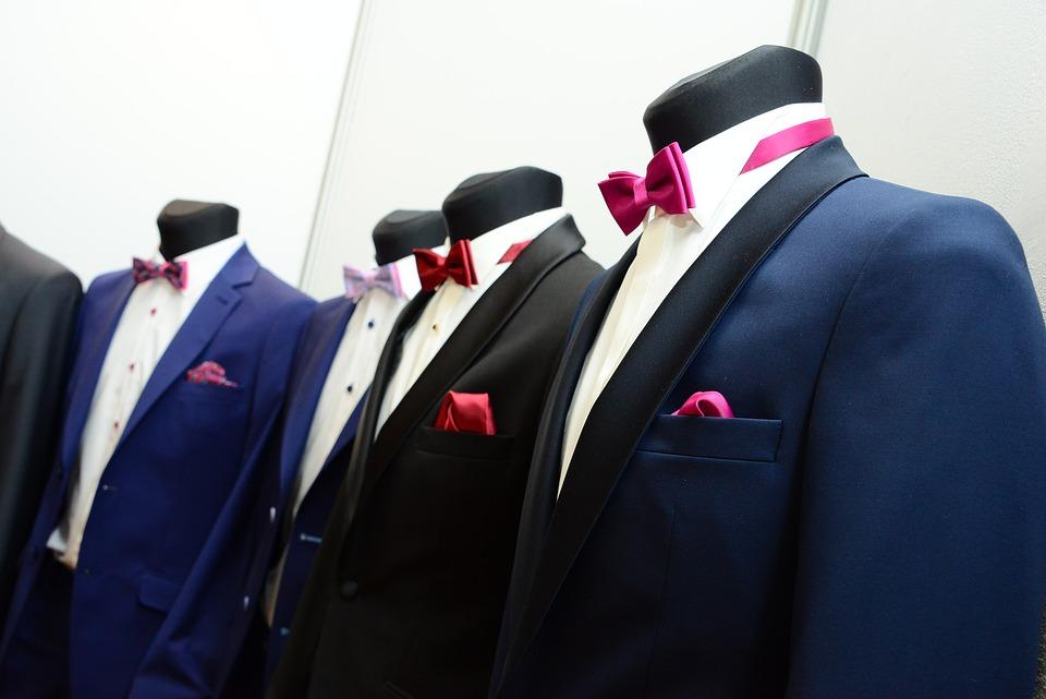 スーツのクリーニングでの注意点|日数/頻度/保管の仕方・料金