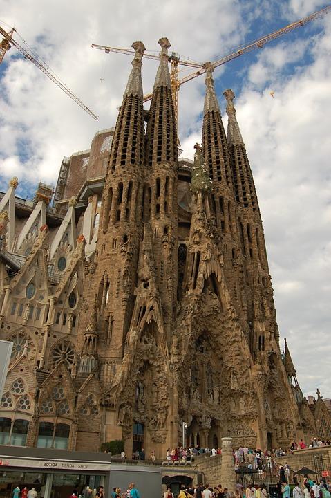 サグラダファミリア バルセロナ スペイン サグラダ Pixabayの無料写真