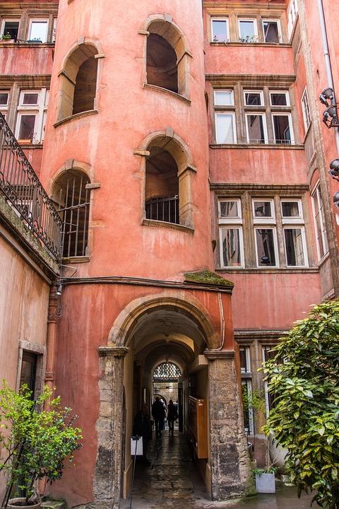 Lyon, France, Ruelle, Tour, Centre Historique