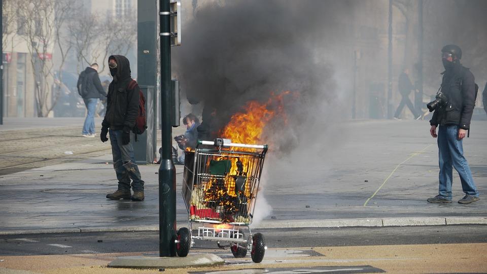 Manifestation, Incendie, Gens, Contre, Governament