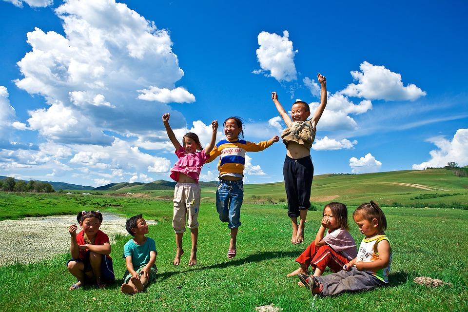 子供用, 子供, アジア人, 人, 遊ぶ子供, 男の子, 女の子, 笑, かわいい, 屋外, モンゴル, 空