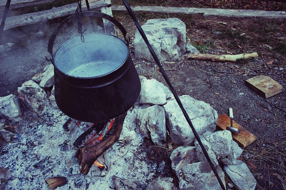 鍋料理, 大釜, ブラック, 熱, ホット, ポット, たき火, キャンプ, キャンプファイヤー, 薪, 炎