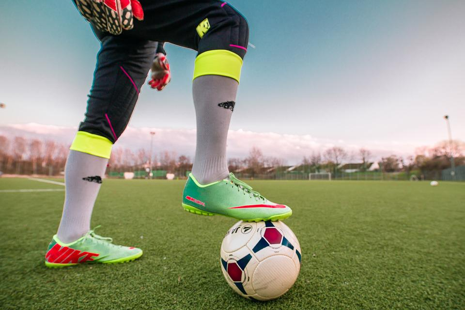 Football, Sport, Footballers, Goalkeeper, Door Husband