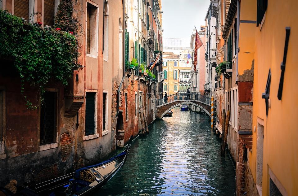 Velence, Olaszország, Gondolák, Csatorna