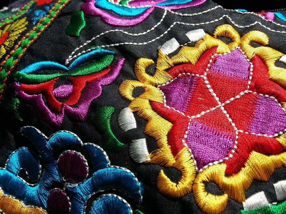 エスニックの意味と例|ファッション/フォークロア/ボヘアミン