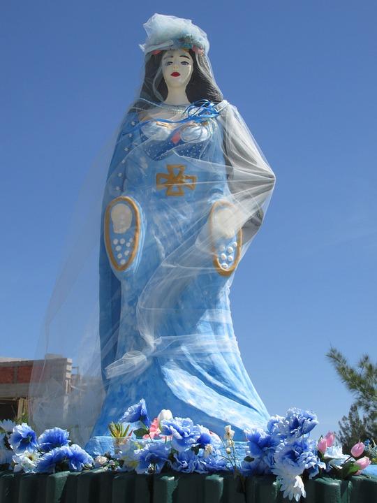 yemanja orisha umbanda statue woman blue dress