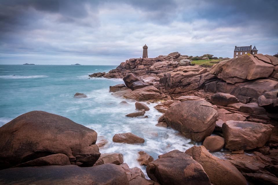 Brittany, Coast, Rocks, Beach, Seaside, Manche, Pink https://pixabay.com/photos/brittany-coast-rocks-beach-seaside-1282908/